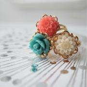 Nostalgic Dahlia Flower Ring - adjustable (more colors available)