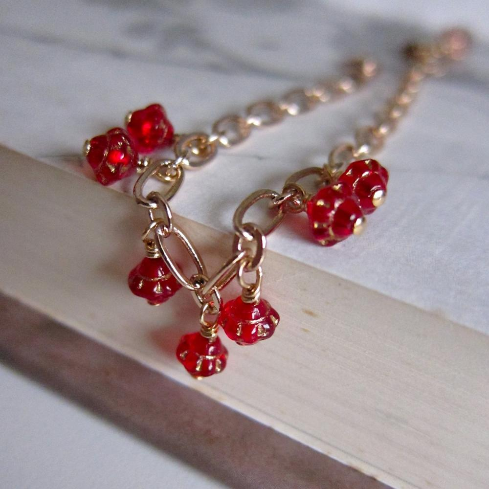 Saturn beaded bracelet - rose gold chain with vintage glass (in Ruby Red)
