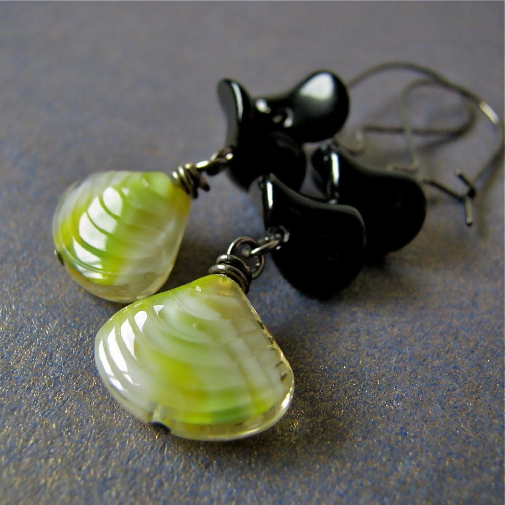 Lemonade and bees earrings - vintage glass